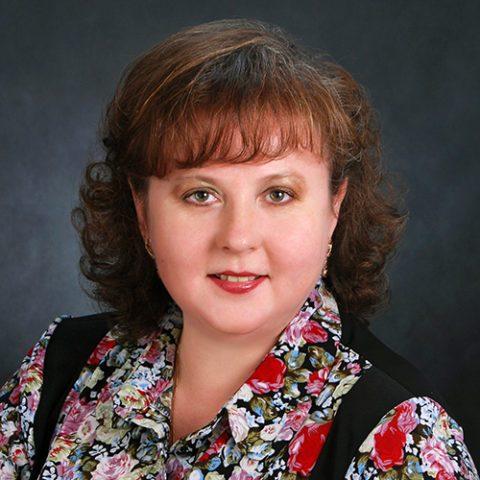 начальник отдела правовой и кадровой работы Елена Сергеевна Варникова